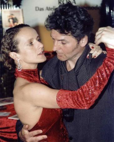 rosa tangomode berlin,  tangoschuhe und tanzschuhe, tanzsneaker