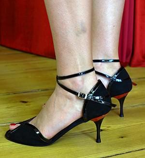 tangoschuhe berlin schwarz rot portdance